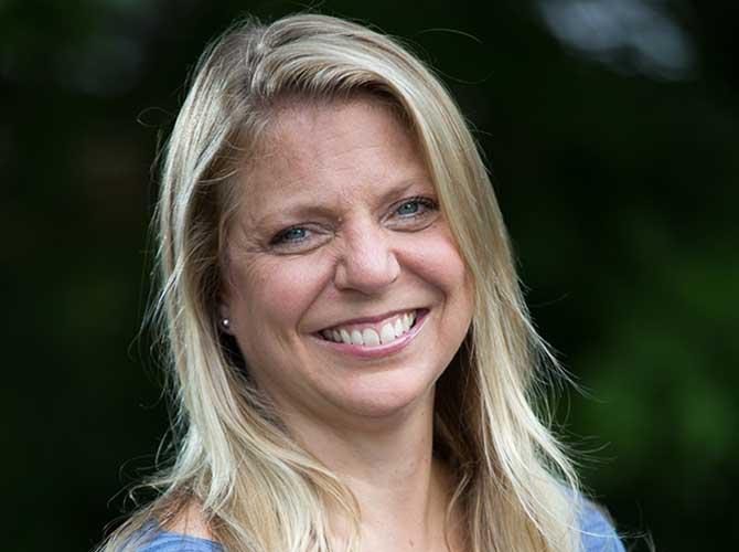 Dr. Laura D. Dvorak, DVM, MS, Diplomate ACVS