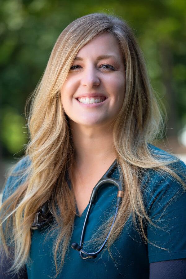 Hannah Ritchie, DVM